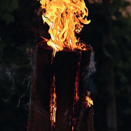 Weinweg in Flammen